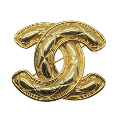 chanel-vintage-cc-diamond-quilted-monogram-brooch-1980s