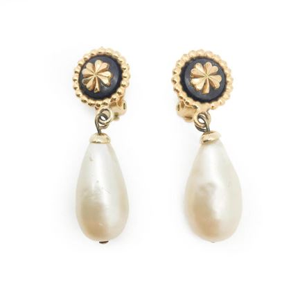 chanel-vintage-drop-earrings-camelia-emblem-with-glass-pearl-1989