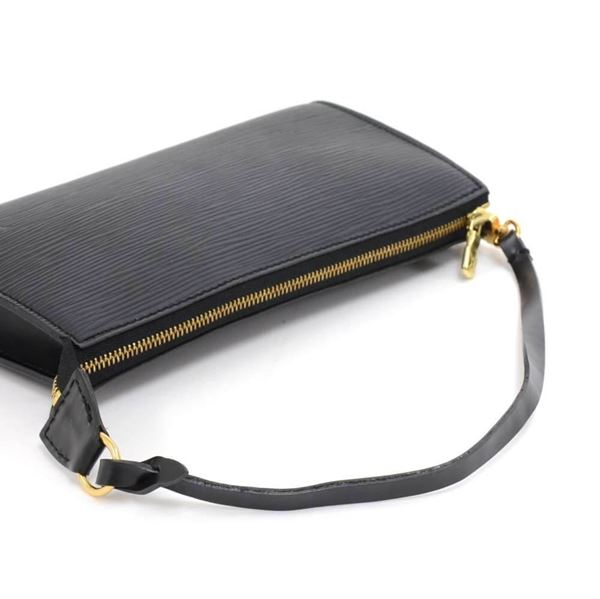 louis-vuitton-pochette-accessories-black-epi-leather-hand-bag-2