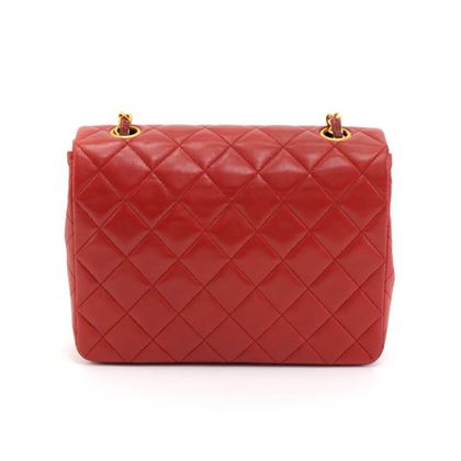 vintage-chanel-8-flap-red-quilted-leather-shoulder-mini-bag-2