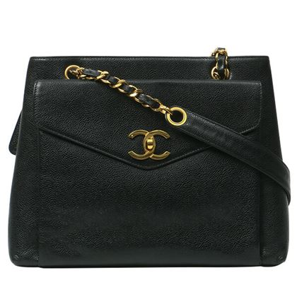 chanel-caviar-skin-turn-lock-logo-charm-tote-bag-black-2