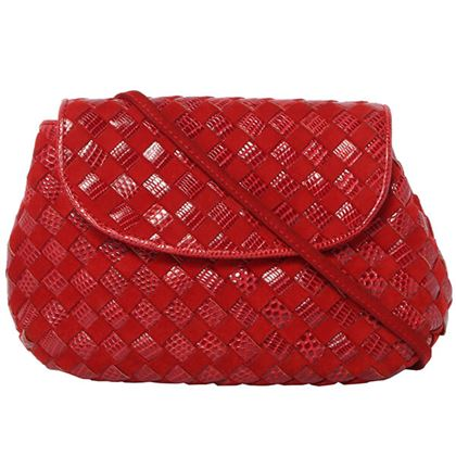 bottega-veneta-lizard-pattern-intrecciato-shoulder-bag-red