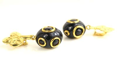 christian-lacroix-black-and-gold-toned-hardware-clover-clip-on-earrings
