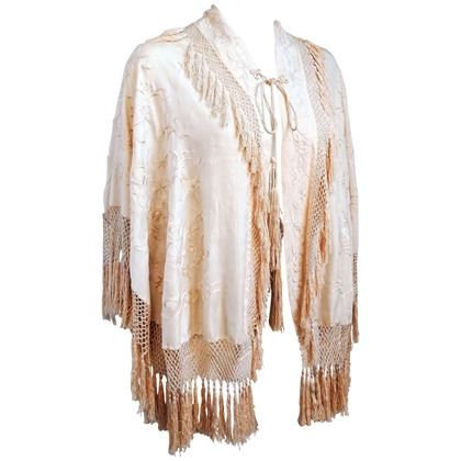 1920s-embroidered-fringe-capelet
