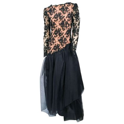 1980s-travilla-black-floral-lace-dress