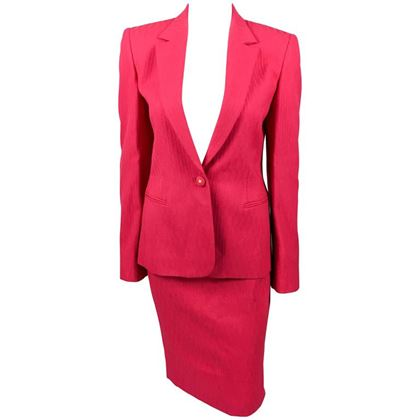 gianni-versace-couture-shocking-pink-skirt-suit-with-medusa-head-adorned-buttons-1980s