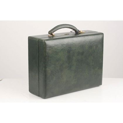 green-leather-travel-jewelry-case