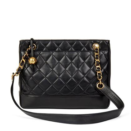 black-quilted-lambskin-vintage-timeless-shoulder-bag