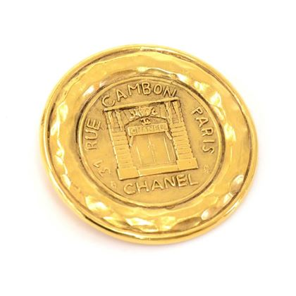 vintage-chanel-gold-plated-31-rue-cambon-round-brooch