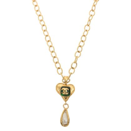 chanel-heart-design-stone-cc-mark-pearl-drop-chain-necklace-greenwhite
