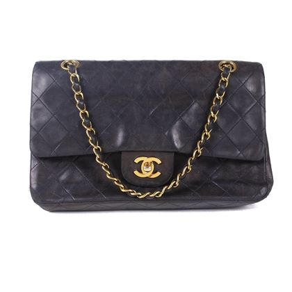 chanel-black-medium-vintage-flap-bag-pre-owned-used