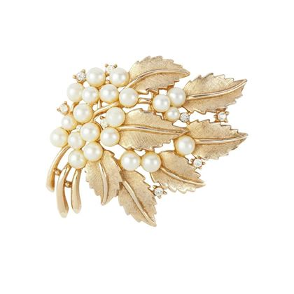 1960s-vintage-trifari-faux-pearl-bough-brooch-2