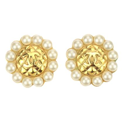 chanel-circa-season-23-quilted-cc-logo-faux-pearl-clip-on-earrings
