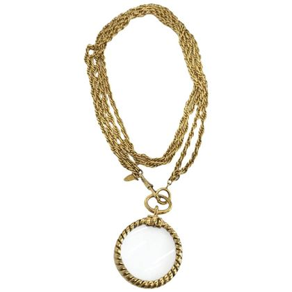 chanel-vintage-long-magnifying-glass-loupe-gold-plated-pendant-necklace-1980s