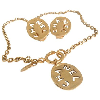 chanel-1980s-vintage-18-karat-gold-plated-logo-necklace-and-clip-on-earrings-set