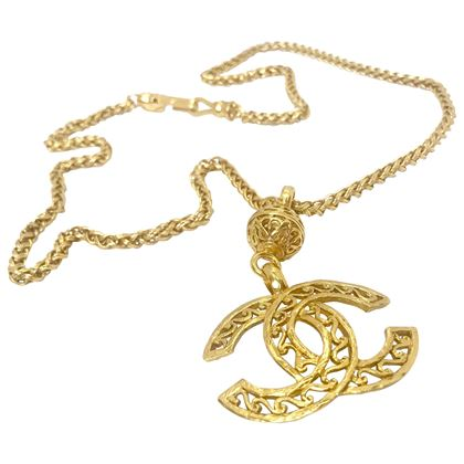chanel-90s-vintage-cc-gold-plated-pendant-necklace
