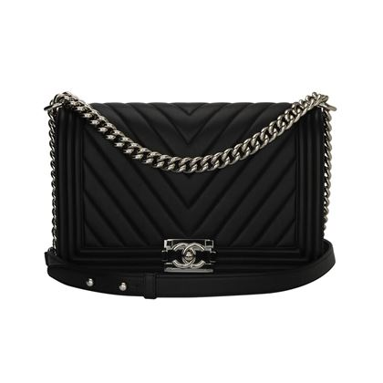 chanel-new-medium-boy-black-calfskin-chevron-shiny-silver-hardware-2016-2