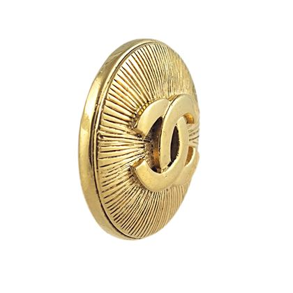 chanel-cc-brooch