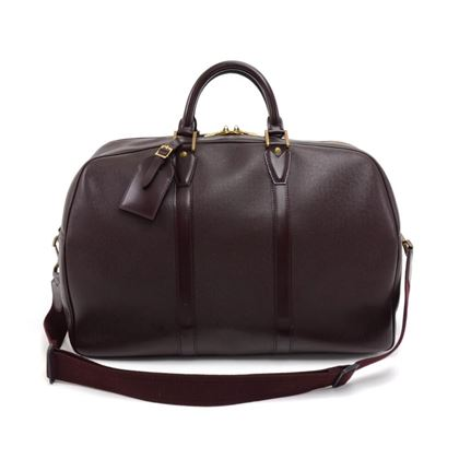 vintage-louis-vuitton-kendall-pm-burgundy-taiga-leather-travel-bag-strap