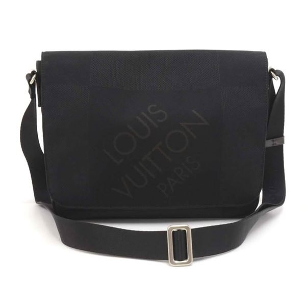 louis-vuitton-petit-messager-black-noir-damier-geant-canvas-messenger-bag