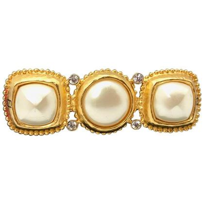 fendi-1990s-vintage-gold-plated-brooch-with-faux-pearls