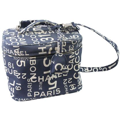chanel-canvas-31-rue-cambon-vanity-case