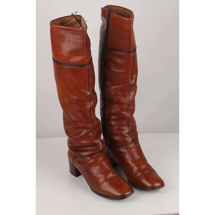 vintage-brown-leather-heeled-boots