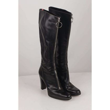 front-zip-heeled-boots-size-38