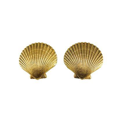 yves-saint-laurent-gilt-seashell-earrings-1980s