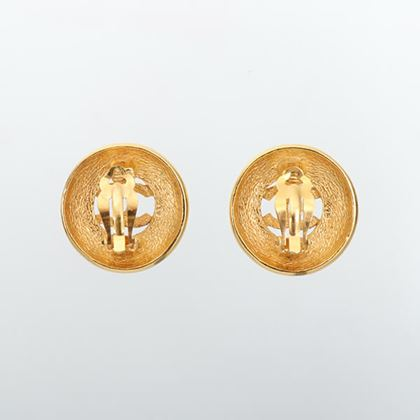 chanel-round-cutout-cc-mark-earrings