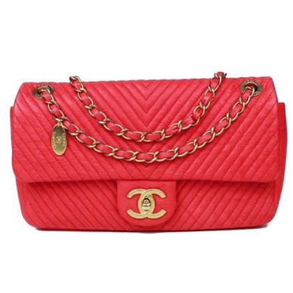 chanel-jumbo-red-chevron-flap-bag-2015-quilted-gold-charm-cc-pre-owned-used