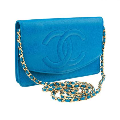 chanel-blue-caviar-wallet-on-chain