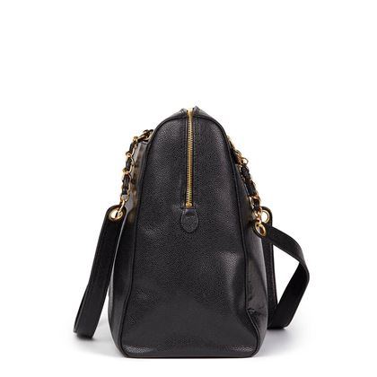 black-caviar-leather-vintage-timeless-shoulder-bag-2