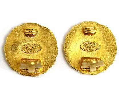 chanel-coco-round-earrings-4