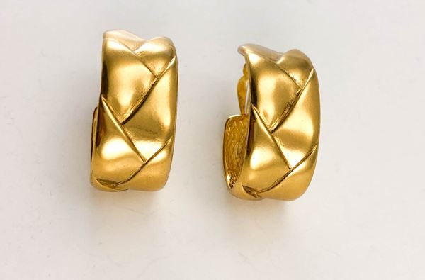 yves-saint-laurent-gold-plated-quilted-hoop-earrings-1980s