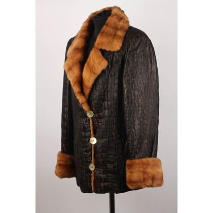 textured-jacket-with-fur-lining