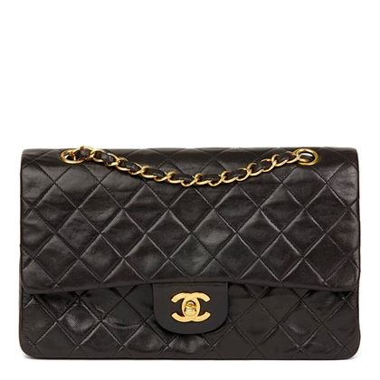 black-quilted-lambskin-vintage-medium-classic-double-flap-bag-32