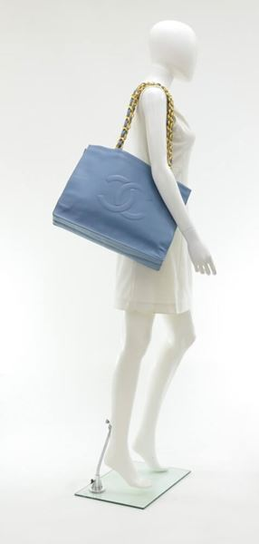 vintage-chanel-jumbo-xl-light-blue-leather-shoulder-shopping-tote-bag