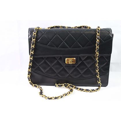 1991-vintage-chanel-black-lambskin-leather-bag-with-255-golden-hardware