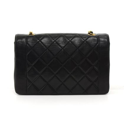 vintage-chanel-10-diana-classic-black-quilted-leather-shoulder-flap-bag