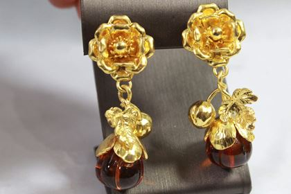 vintage-yves-saint-laurent-vintage-gold-platedand-glass-pendant-flower-earrings
