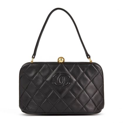 black-quilted-lambskin-vintage-timeless-frame-bag-2
