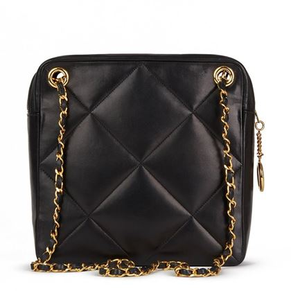 black-quilted-lambskin-vintage-timeless-charm-shoulder-bag