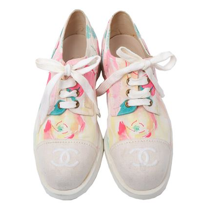 chanel-camellia-pattern-cc-mark-embroidered-sneakers-multiivory