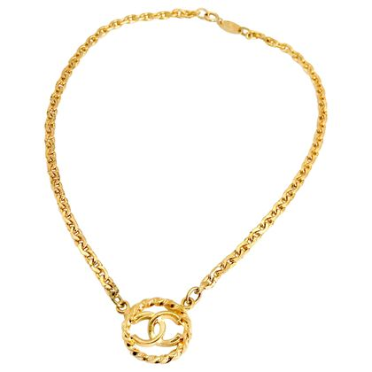 chanel-1980s-delicate-cc-necklace-1983