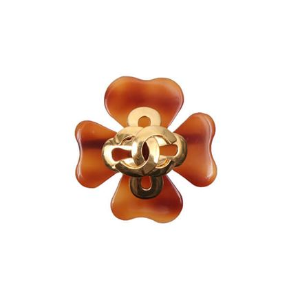 chanel-tortoiseshell-clover-motif-cc-mark-brooch-brown