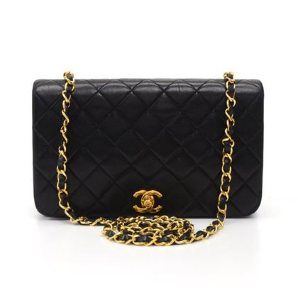 chanel-9-classic-black-quilted-leather-shoulder-flap-bag-4