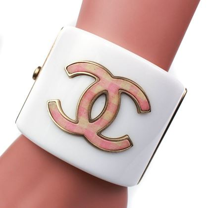 chanel-cc-cuff-white-bracelet-pink-plaid-logo-wide-bangle-pre-owned-used
