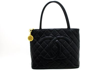 chanel-gold-medallion-caviar-shoulder-shopping-tote-bag-black-7