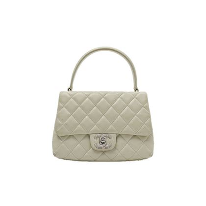 chanel-matelasse-hand-bag